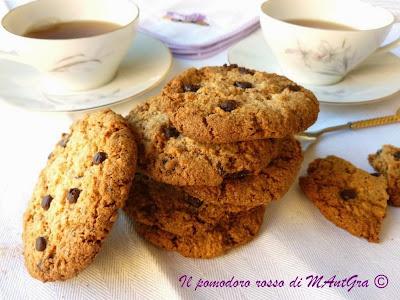 biscotti di mandorle, nocciole e cioccolato
