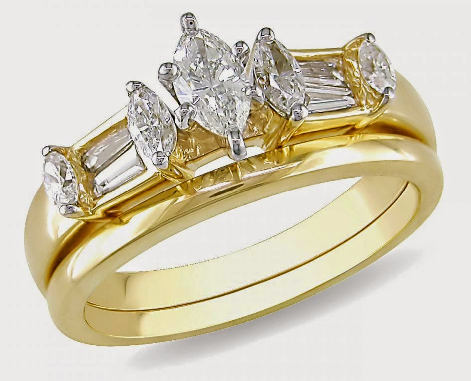 Oval Diamond Yellow Gold Wedding Ring Sets For Her Design