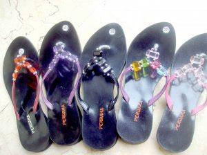 contoh model sandal-manik unik