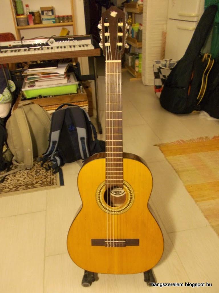 Cremona classical guitar