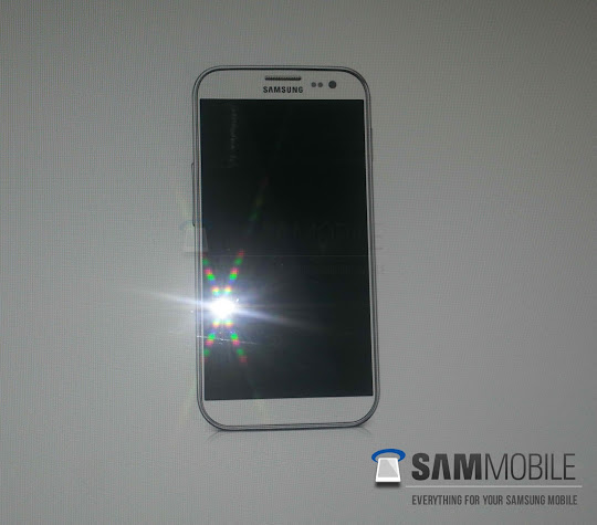 Samsung Galaxy S IV is coming! Leaked Photo, Specifications and Details here!