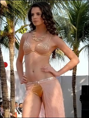 Modeling girls and fashion show Women in Bikini Unseen and cute photo ...