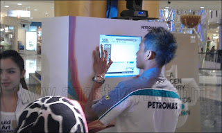 Petronas Fluid Art Movement Imaginasi Seni Bendalir Terhebat