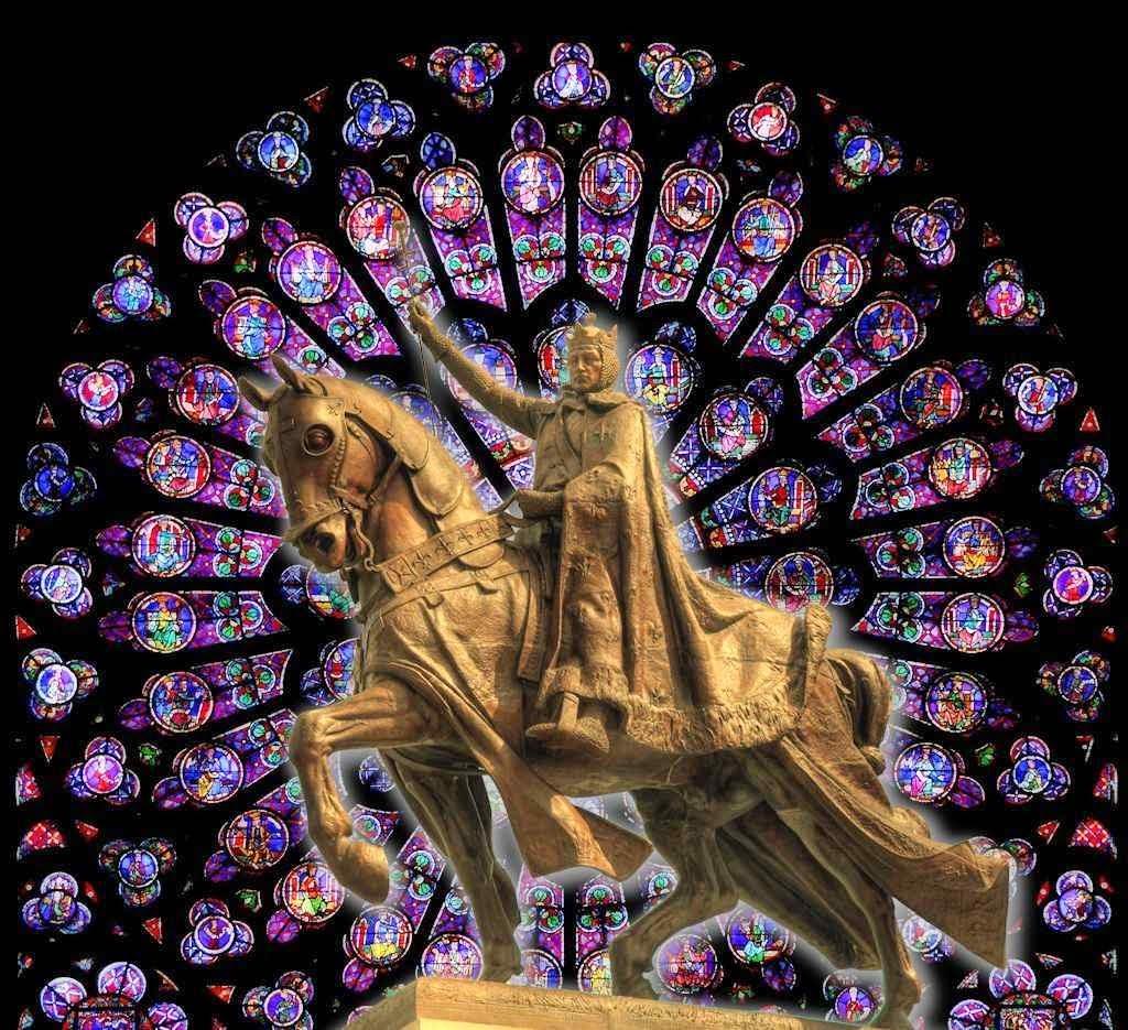 São Luís estátua em Saint Louis, Missouri, EUA.  Fundo: rosácea de Notre Dame.