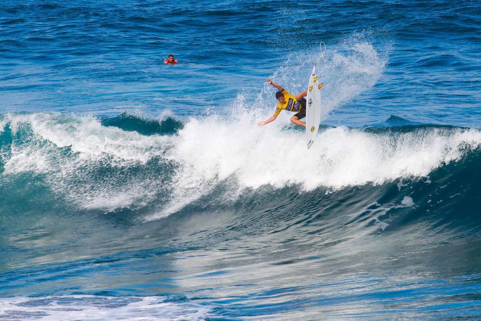 17 Alex Ribeiro BRA 2015 SATA Azores Pro Foto WSL Laurent Masurel