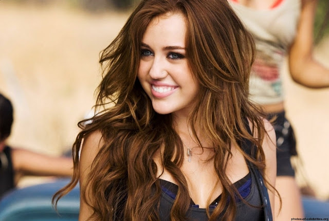 1280_party-in-the-usa-miley-cyrus-party-1569317355.jpg (1280×859)