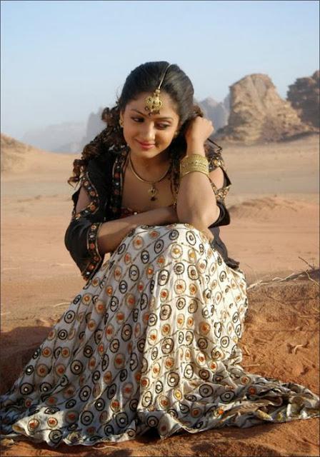 Sheela Navel Show