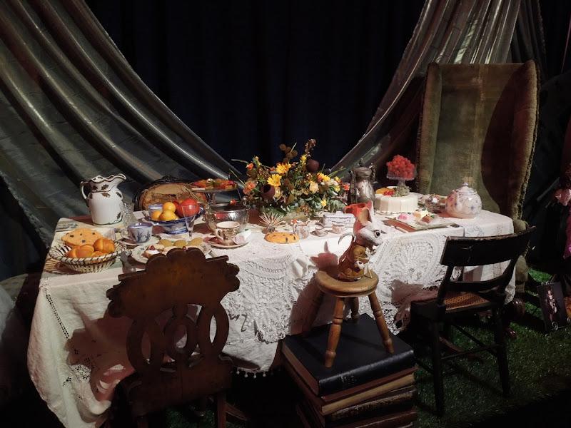 Alice Wonderland Mad Hatter tea party props