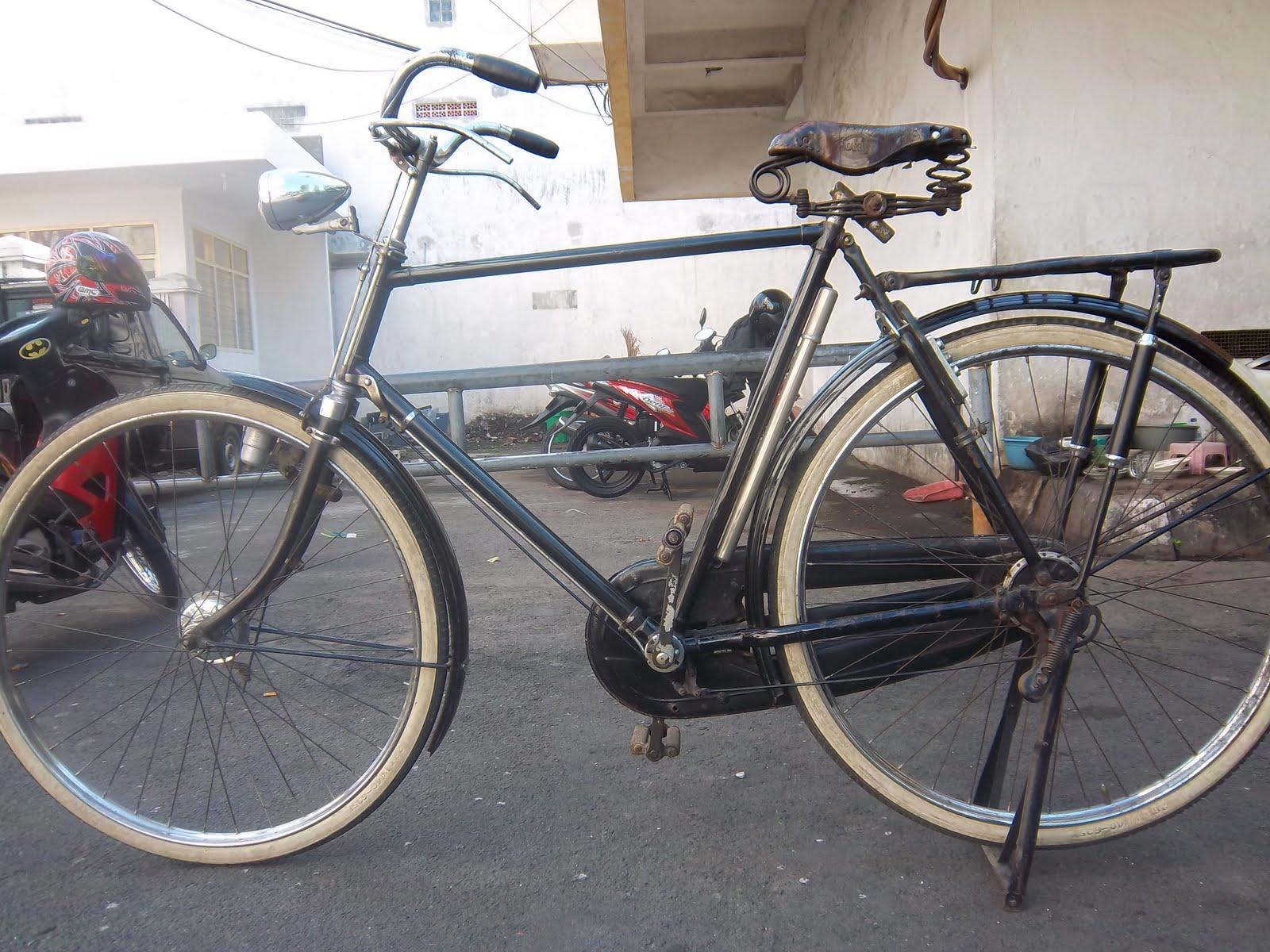 klithikan onthel sepeda quotgazellequot seri 5