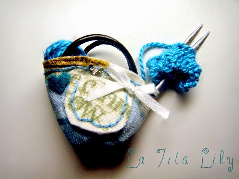 Cesta de tejer en miniatura