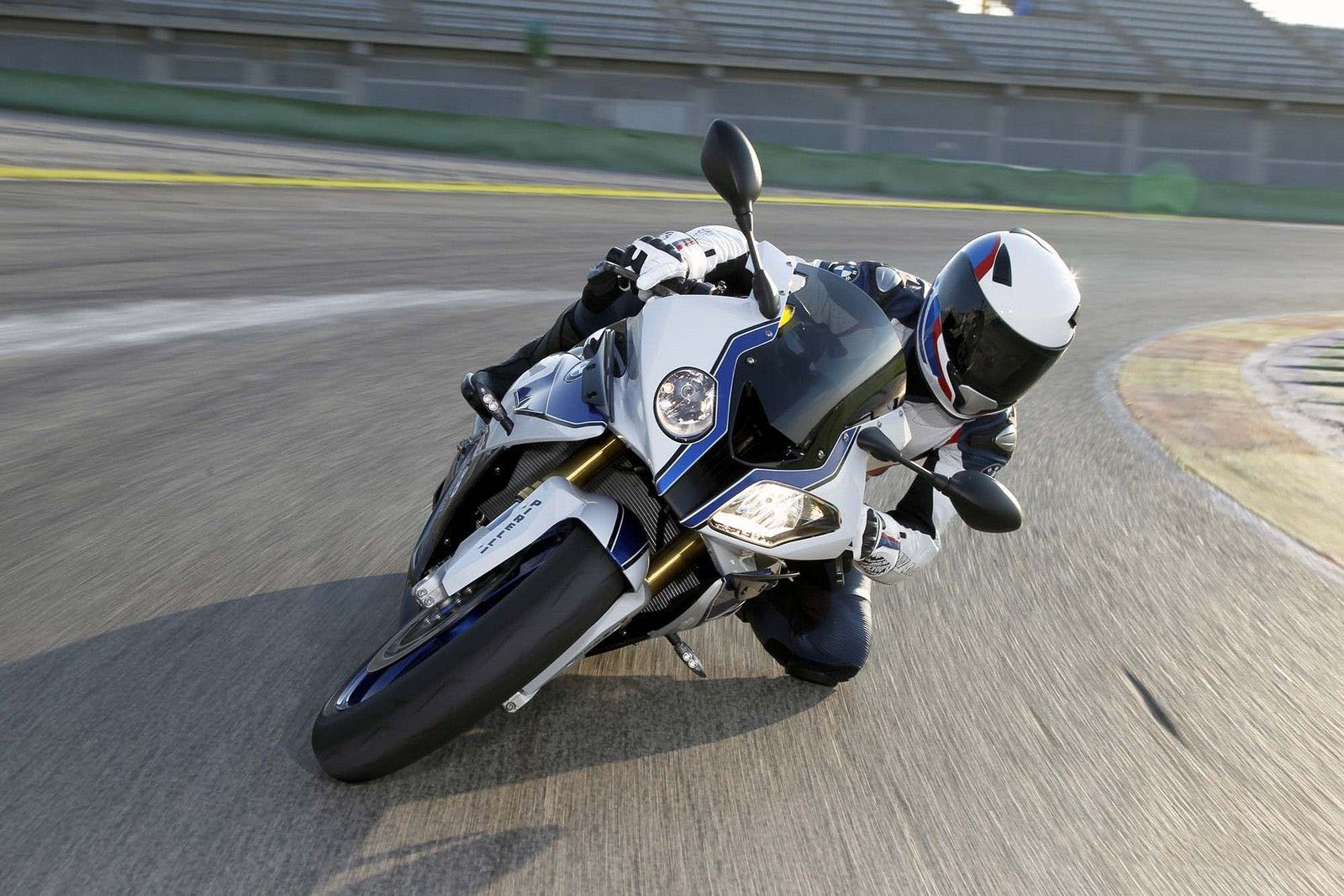 motors e 2013 BMW S1000RR HP4