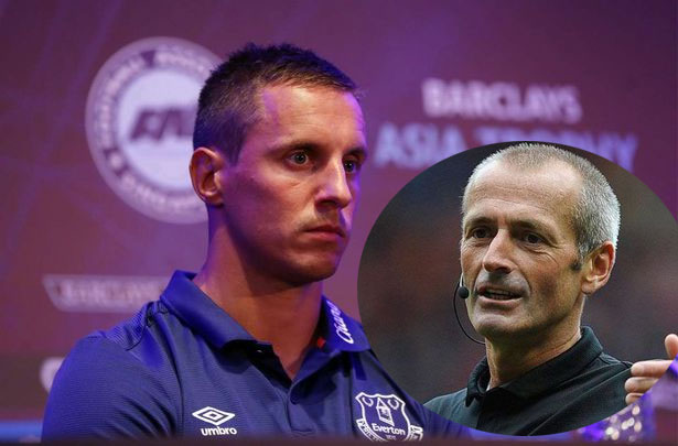 "Everton Captain Calls Refree Martin Atkinson ""Arrogant"" Following Man City Loss"