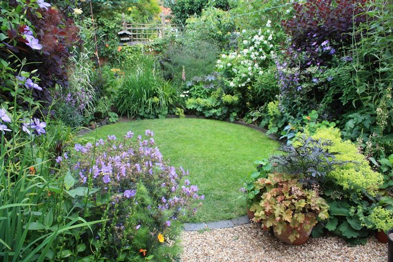 Designing A Small Garden Ideas