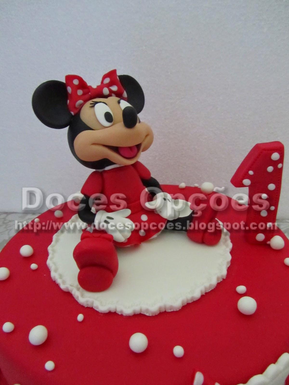 bolo minnie de vermelho