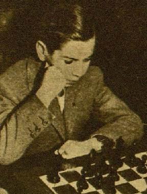 Arturito Pomar frente al tablero en 1946