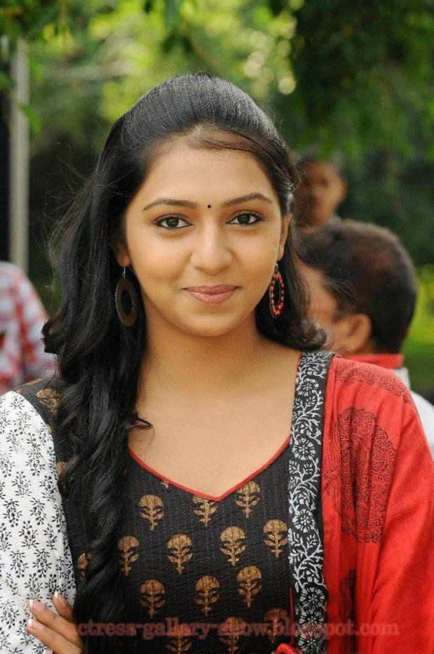 Actress Gallery: Lakshmi menon latest cute stills