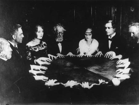 Ouija y Mediums