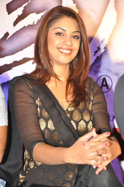 Richa Gangopadhyay hot and spicy pictures