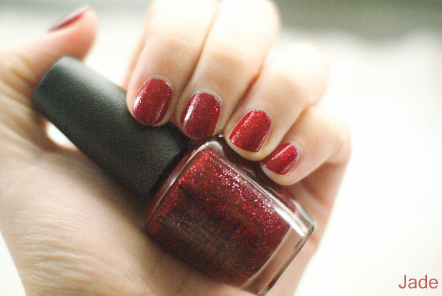 opi mariah carey underneath the mistletoe