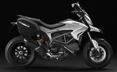 Motor Ducati Hyperstrada 2014