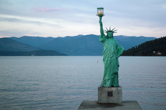 Sandpoint beach statue of Liberty