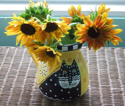 Sunflowers in a Vase : A Laurel Burch Cat Vase