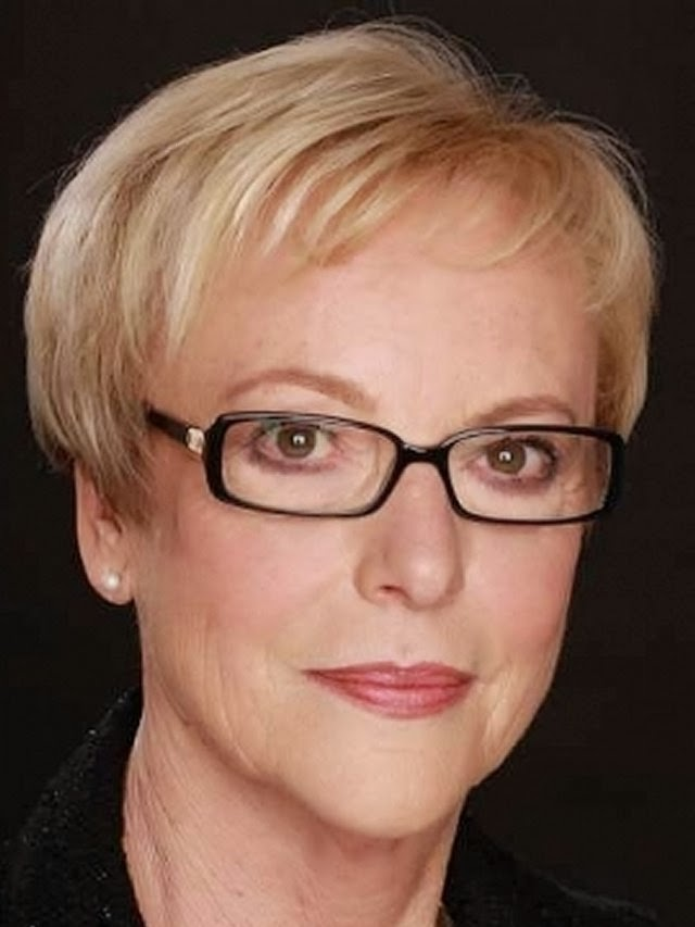 Short Hairstyles Women Over 60 Glasses