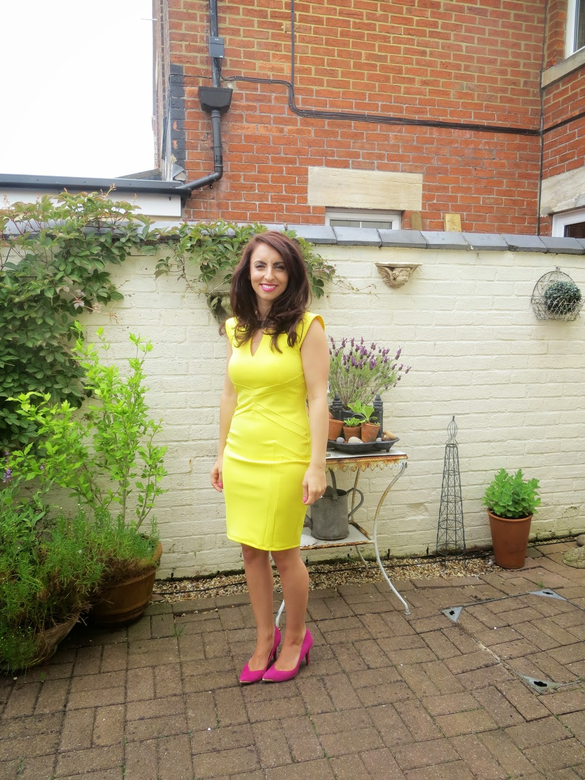 River Island, Yellow, Dress, Bodycon, Wedding outfit, Pink, Asos, Shoes, fashion, OOTD