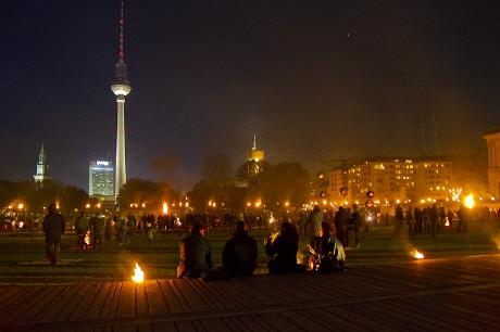 berlin-jubilee-775-ans-performances-artistiques-fernsehturm