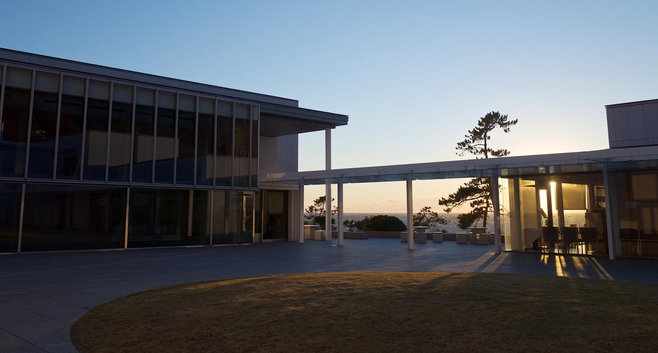 神奈川県立近代美術館・葉山館 中庭