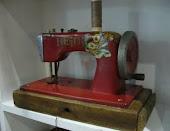 Mini Maquina de costura HEIDE