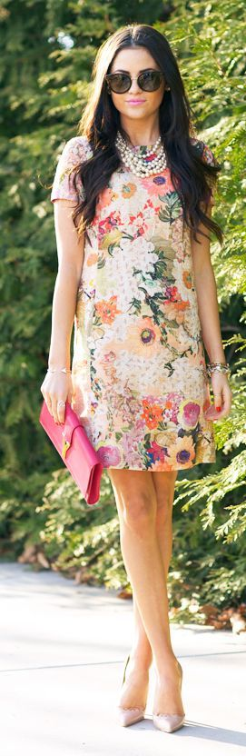 This floral print is gorgeous!