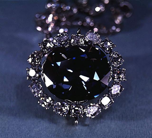 berlian yang membawa nasip buruk bagi yang memilikinya-1