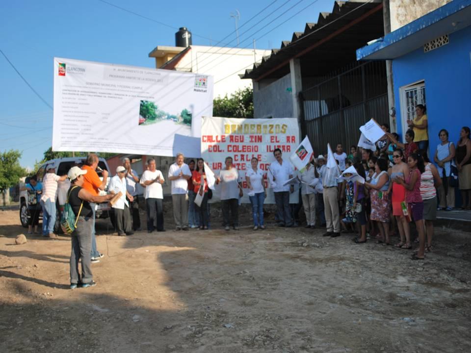 Nayeli jarillo ondea m s banderas para el inicio de la - Baneras de obra ...