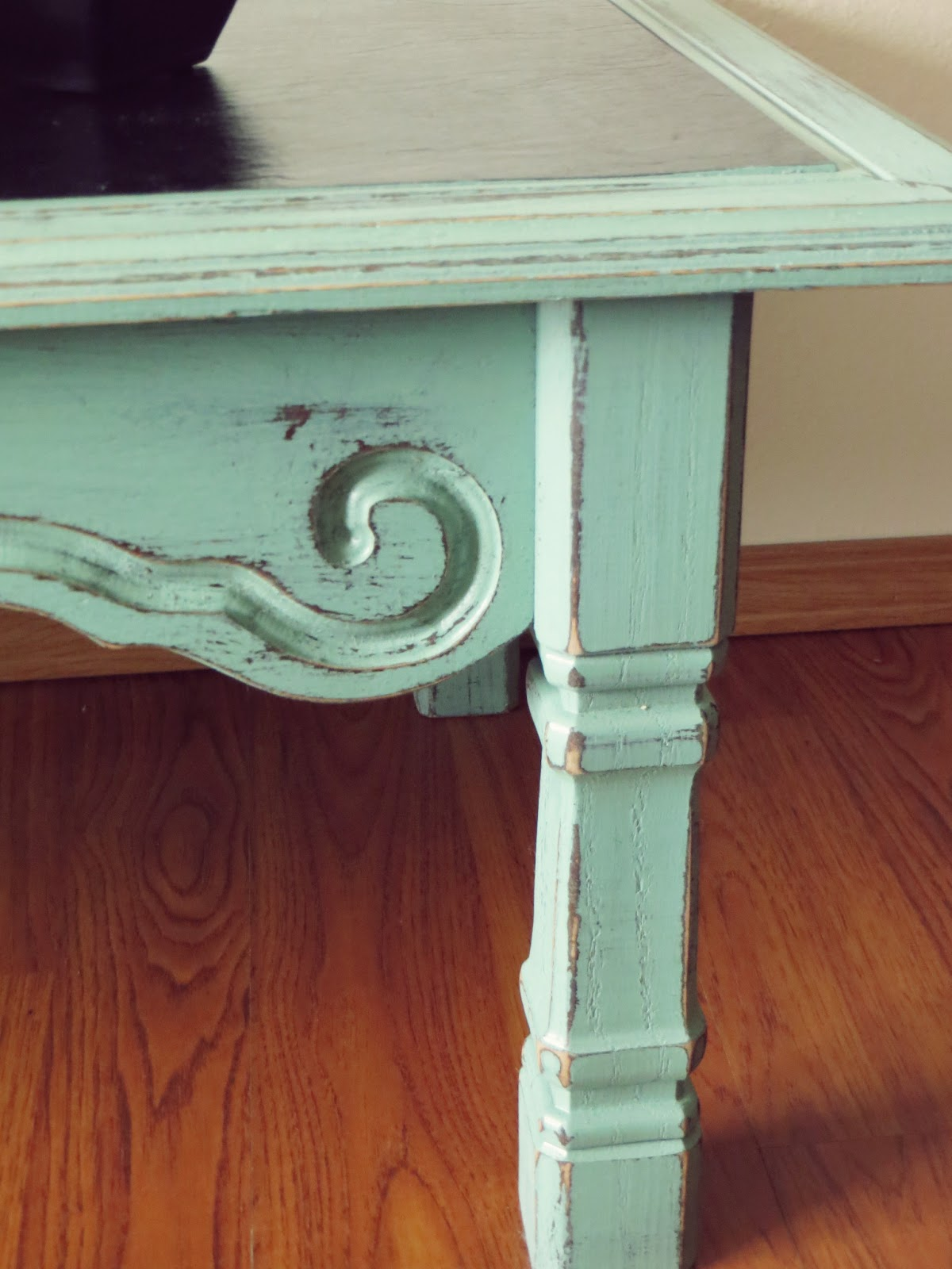 Distressed coffee table diy - Distressed Coffee Table Tutorial