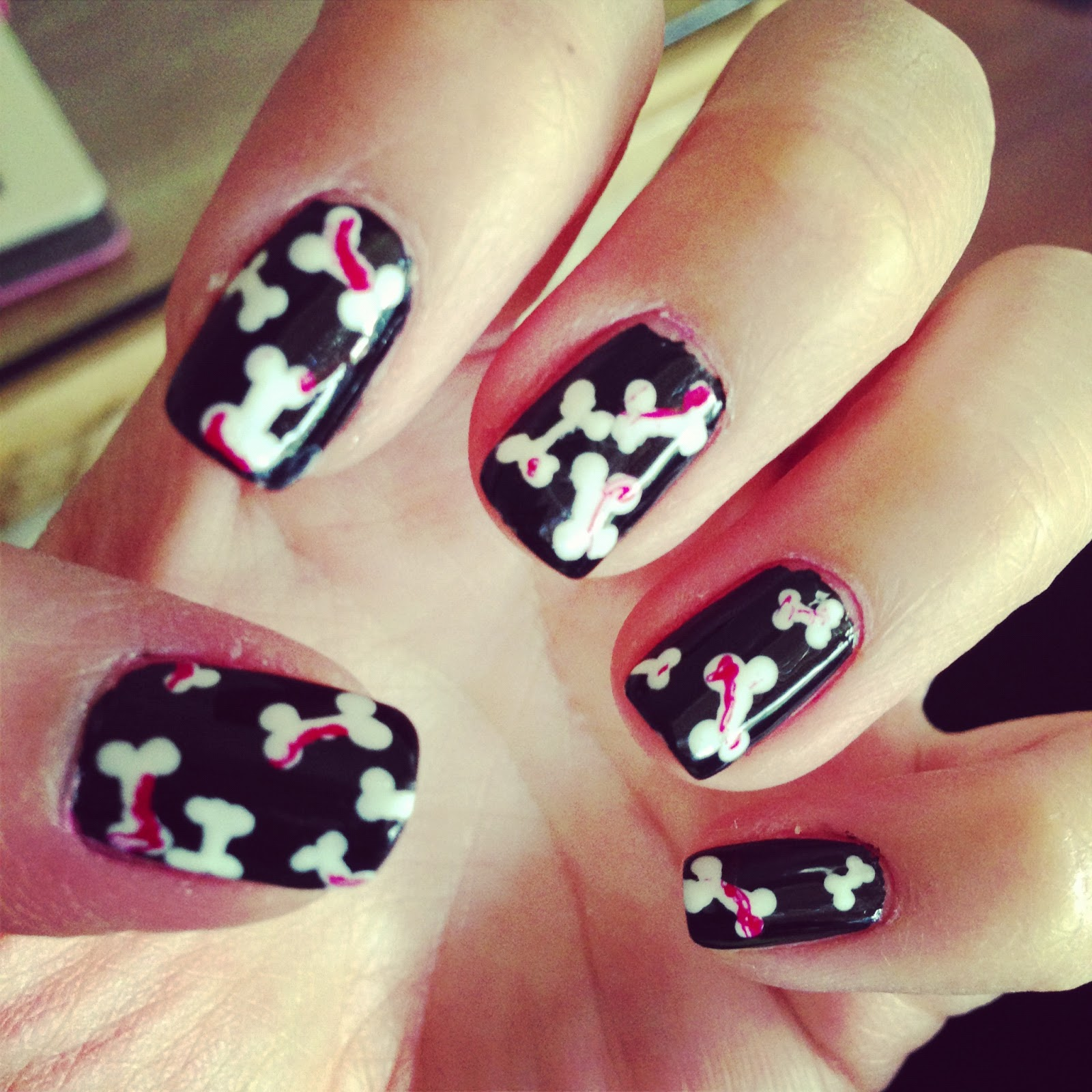 Nail Colors Halloween: Panda Loves Polish: Halloween Nails- Bones And Haunted House