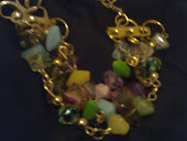 pulseira c 3 voltas dourada c contas coloridas