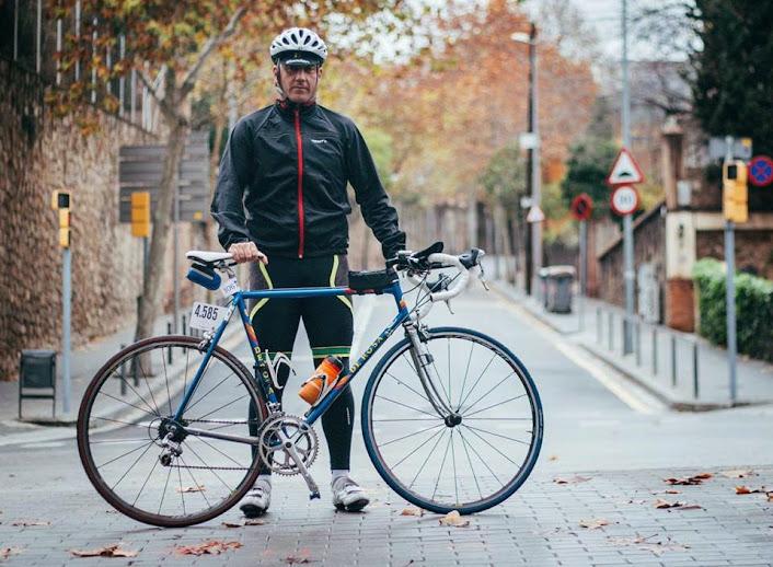 PEDALEA POR EL ICTUS. Haz tu donativo pulsando sobre la imagen del ciclista