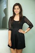 Rashi Kanna latest glam pics-thumbnail-12