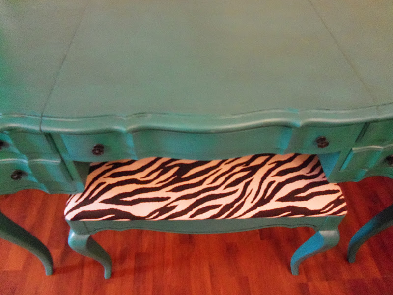Springvalleyjunktique Turquoise Vanity With Matching