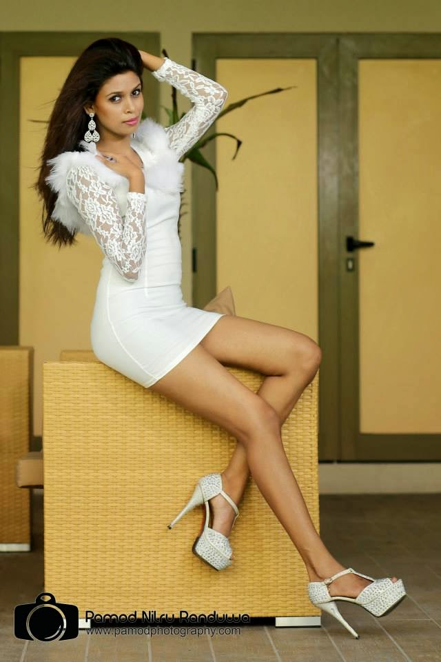 Yanisha ravi hot legs kakul