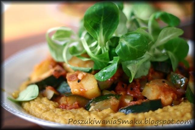 Kremowa zupa z soczewicy curry z warzywami