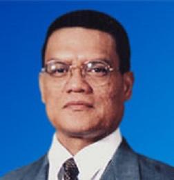 Dato' Sri DiRaja Dr. Haji Adnan Bin Haji Yaakob, Menteri Besar Pahang