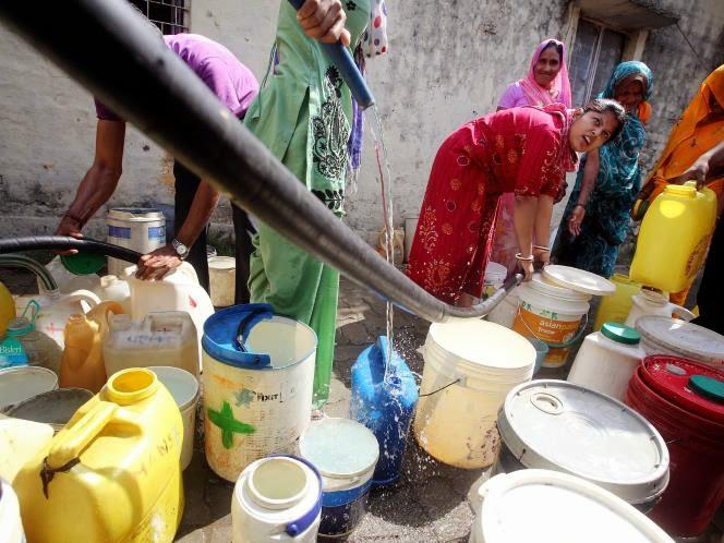 http://www.liataja.com/2014/04/warga-india-mengalami-krisi-air-bersih.html