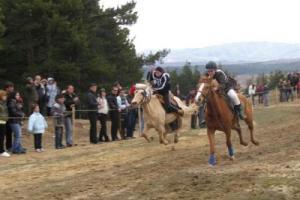 Кушии и футболен турнир в Бисерци