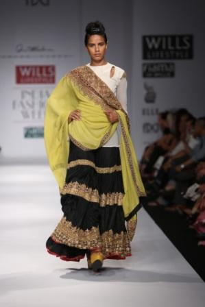 Style Fashion Etc Wills Lifestyle India Fashion Week Buzz On Day 1