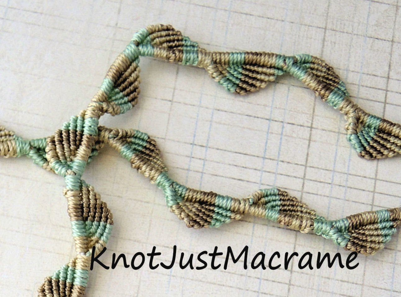 Macrame vine in three colors