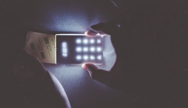 No Facebook, no Games, no Browser: The Light Phone Is The Anti-Smartphone