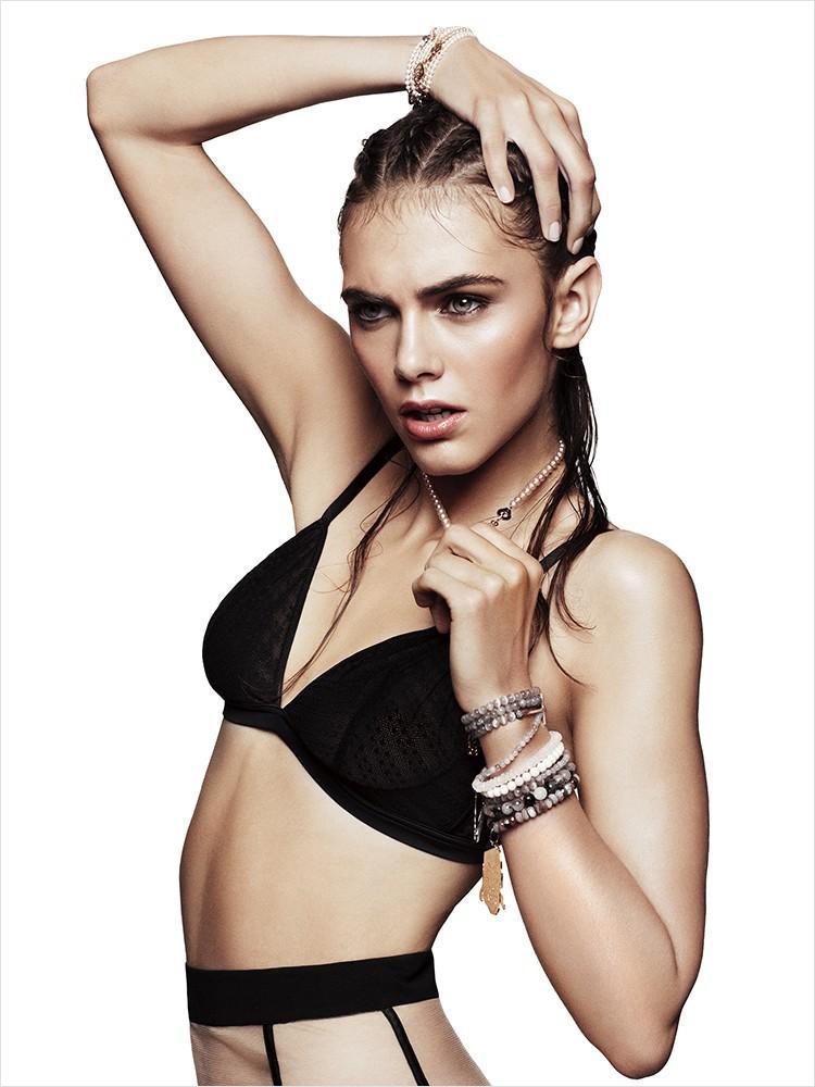 Anja Cihoric in lingerie