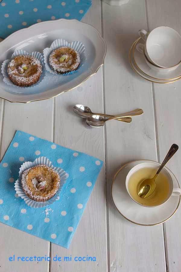 Tartaletas de chocolate con crema al té blanco (Baile de lavanda)